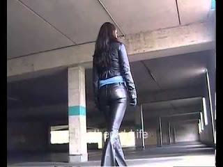 Scrione Andre_ Topmodel Larissa- in Miss Sixty Leather Jeans