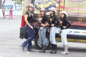 Latina Cowgirls