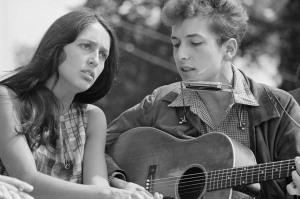 "Singers Joan Baez and Bob Dylan perform together during the March on Washington for Jobs and Freedom in this August 28, 1963 file photo shot by U.S. Information Agency photographer Rowland Scherman and provided to Reuters by the U.S. National Archives in Washington on August 21, 2013. In the coming week, Washington will play host to an array of events marking the 50th anniversary of the march and the Rev. Martin Luther King Jr.'s ""I Have A Dream"" speech.    REUTERS/Rowland Scherman/U.S. Information Agency/U.S. National Archives  (UNITED STATES - Tags: POLITICS ANNIVERSARY ENTERTAINMENT) ATTENTION EDITORS - THIS IMAGE WAS PROVIDED BY A THIRD PARTY. FOR EDITORIAL USE ONLY. NOT FOR SALE FOR MARKETING OR ADVERTISING CAMPAIGNS.THIS PICTURE IS DISTRIBUTED EXACTLY AS RECEIVED BY REUTERS, AS A SERVICE TO CLIENTS"