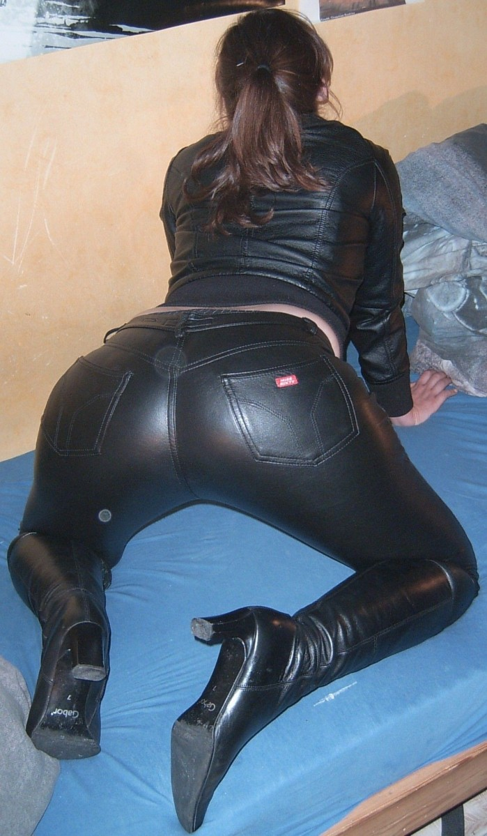 Master Vision: Leathered Life- Chrissie in a Black Leather Suit