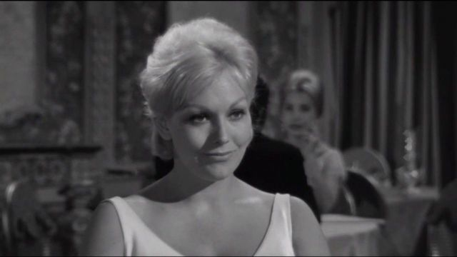 The Notorious Landlady (1962) - Scene with Jack Lemmon and Kim Novak